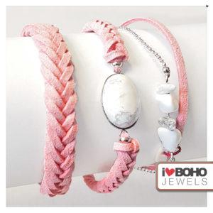 Armband - gevlochten peach suède - zilver